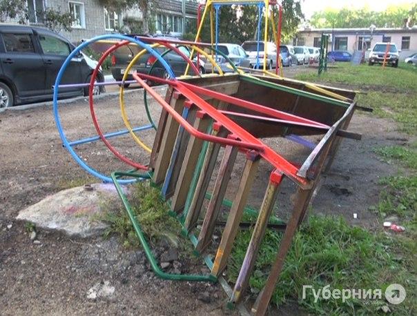 В Северном на детской площадке погиб 8-летний мальчик