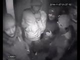 Пьяные малолетки громят лифт