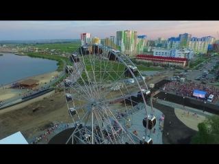 Колесо обозрения с высоты птичьего полета в городе Спутник. Пенза. HD. Penza aerial.
