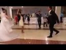 Девушка_танцует_лезгинку_на_свадьбе.mp4