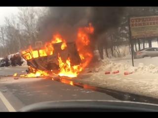 В Новой Москве после аварии в машине заживо сгорели 8 человек