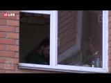 В Москве мужчина захватил в заложники жену и детей — прямая трансляция