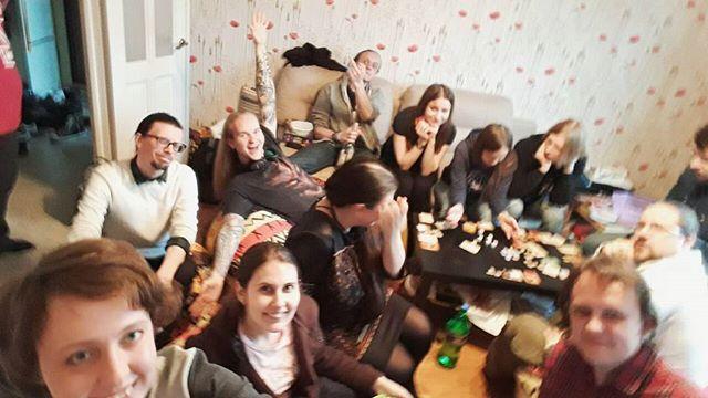 Празднование волчьей днюшки номер два :3 Самое нормальное фото, где видно хотя бы запчасти максимума участников, йеей ^__^