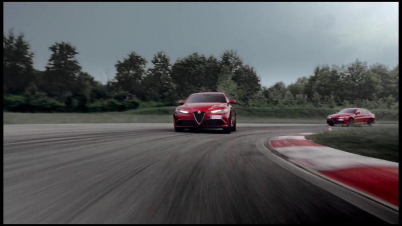 Водители Scuderia Ferrari тестируют Alfa Romeo Giulia Quadrifoglio