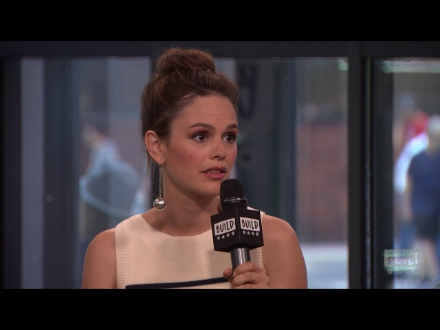 "Rachel Bilson On ""The O.C."" In Comparison To ""Nashville"""