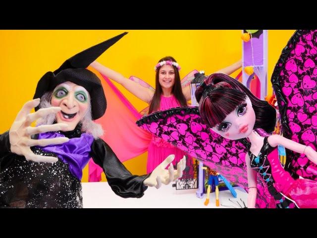 Kukla oyunu.Cadı Monster High bebekleri taşa çevirdi.Peri Ayşe okulu kurtarıyor.Eğlenceli oyunlar