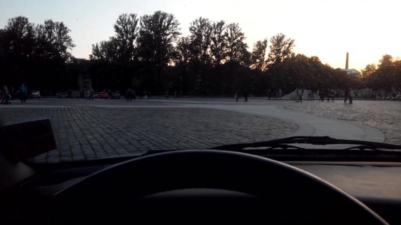 Пользуясь случаем покатался по пешеходной Якорной площади