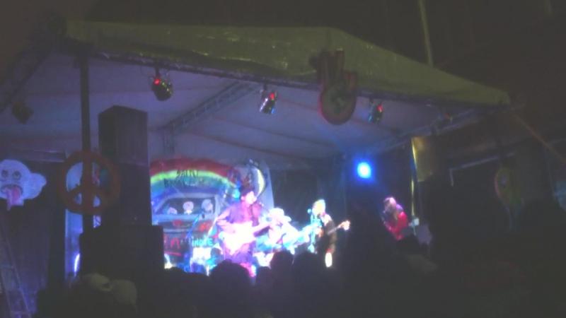 Ghost hippies - net druzei 05.2017