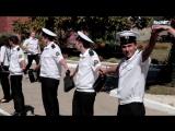 Керчь- Как проректор и студенты керченский ВУЗ обнимали