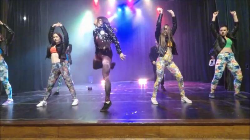 Танец на сцене Blah Daft - Raytid