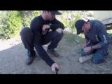 Как расколоть полено с помощью перочинного ножика #впбп