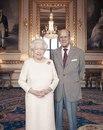 Парадный портрет королевы Елизаветы Ii и принца Филиппа по случаю 70-й годовщины их свадьб…