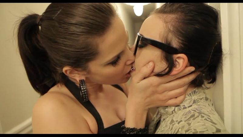 Lesbians Kiss 00 [Lesbian Esthetics] - Bobbi Starr kisses Sparky Sin Claire