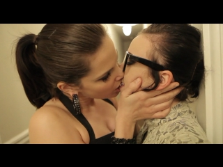 Lesbians Kiss #00 [Lesbian Esthetics] - Bobbi Starr kisses Sparky Sin Claire