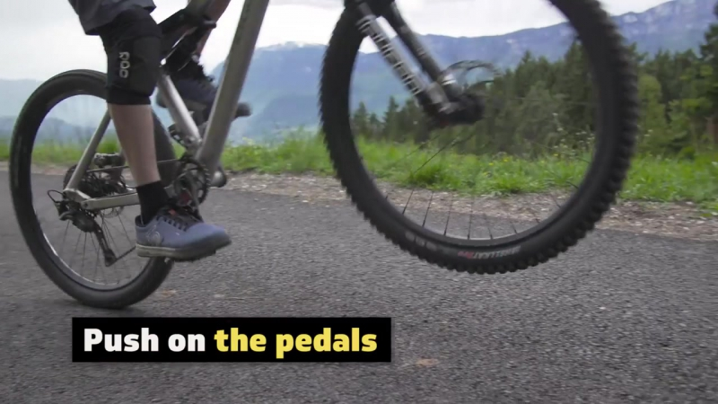 Do u even wheelie - How to MTB E1 w- Rob Warner and Tom Oehler_magazin-servis-69