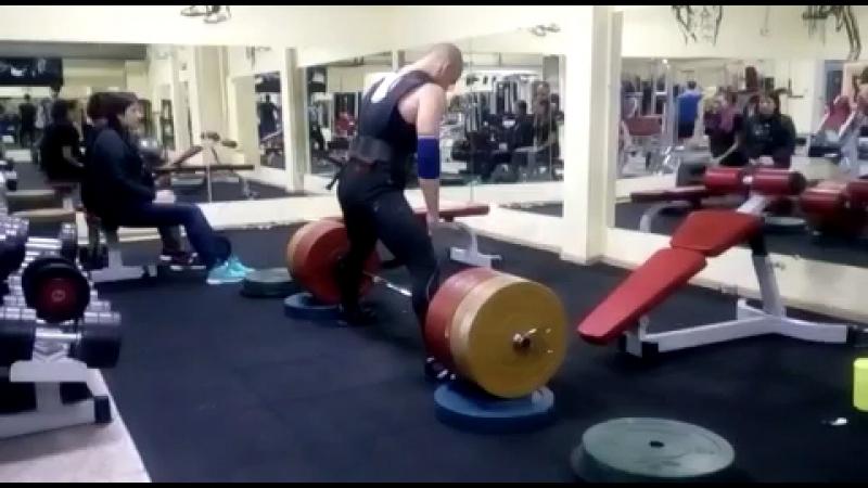 Deadlift 230kg x 2