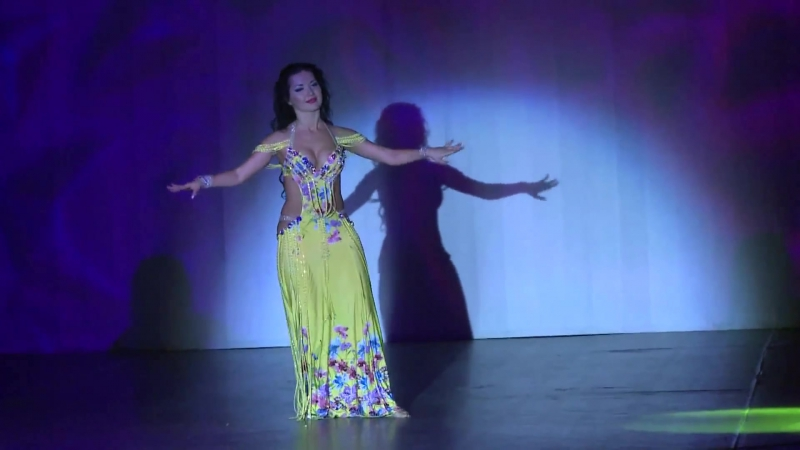 Marta Korzun dancing baladi by Armen Kusikian, december 2013