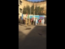 Прощание с героем-мучеником Эссамом Захр-Эд-Дином в военном госпитале Тишрин откуда его траурный кортеж прибудет в провинцию Су