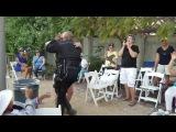 Мастер класс по сальсе от офицера полиции Лос Анджелеса
