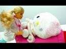 Видео для девочек. Барби лечит Китти Хелло Китти. Игры больница. Видео про кукл ...