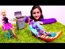 Мультики для девочек. МонстрХай Monster High на барбекю у Барби! Видео про куклы