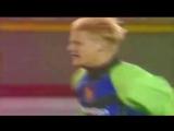 Петер Шмейхель забивает «Ротору» на «Олд Траффорд» ⚽