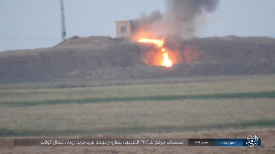 "В Сирии засняли жесткое попадание ПТУРа ""бармалеев"" в толпу курдских солдат"