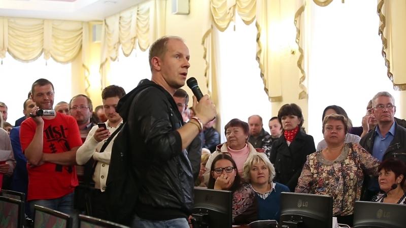 Видео: КВНщик Максим Киселёв выступил за застройку в Соловьиной роще Смоленска