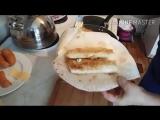 Цыганка готовит конвертики из армянского лаваша