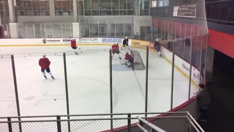 Brett Connolly wrists one past Holtby
