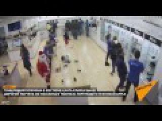 Злой Санта похитил ноутбук Apple из магазина в Тбилиси