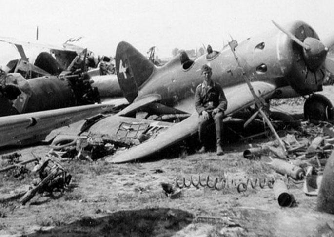 Советские самолеты под Брестом