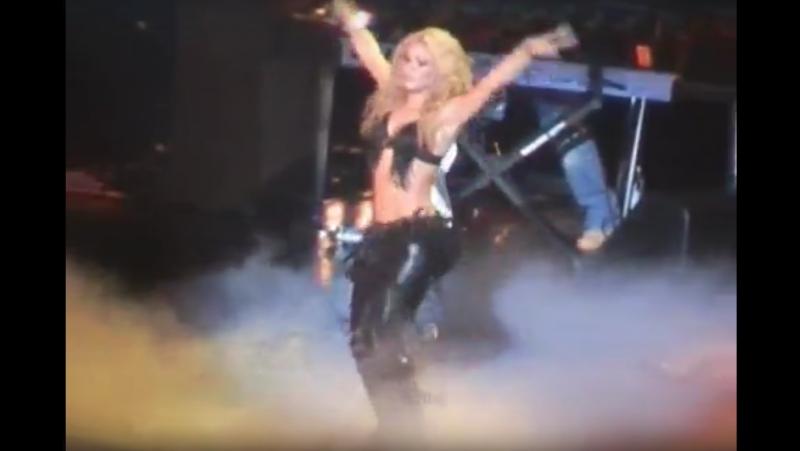 Shakira - 01 ojos asi (live totm las vegas 25-01-2003)