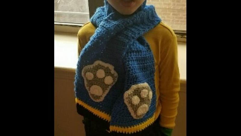 Bufanda o Chalina de Chase Patrulla Canina a crochet. A Chase crochet scarf from Paw Patrol