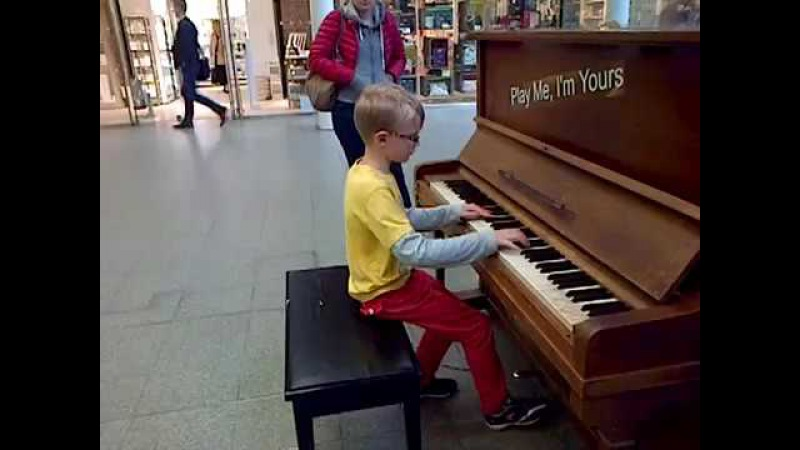 8 Year Old Boy ► Plays Piano at St Pancras Station, London