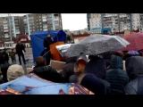 Олег Мальцев на митинге против луны