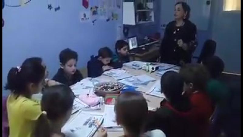 Учительница решила обучать школьников английскому по текстам рэперов