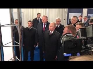 Президент России Владимир Путин прибыл к месту проведения церемонии торжественного открытия трассы Дони- Гатчина