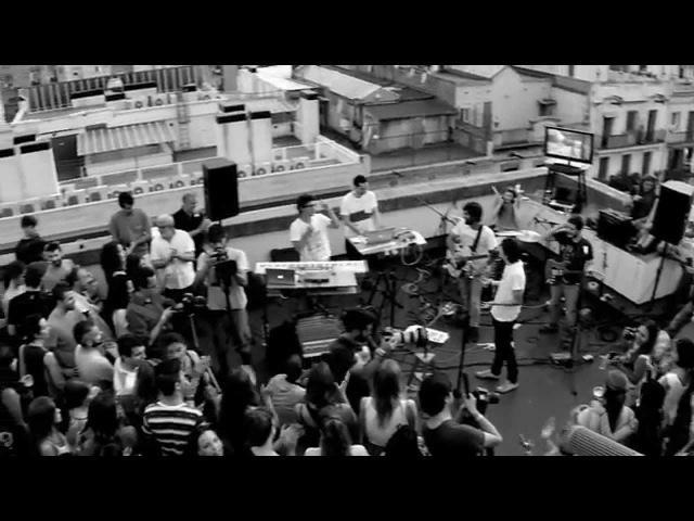 NOKO WOI - Wobbly Walk (Live)