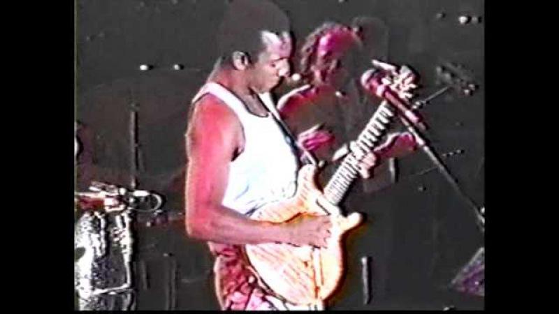 Carlos Santana - Once It's Gotcha - w/Hiram Bullock - Antibes'88