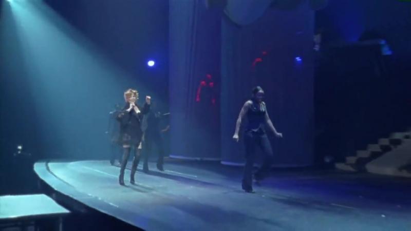 Mylène Farmer - Je t'aime mélancolie (Live the Avant que l'ombre… à Bercy Tour, 2006)
