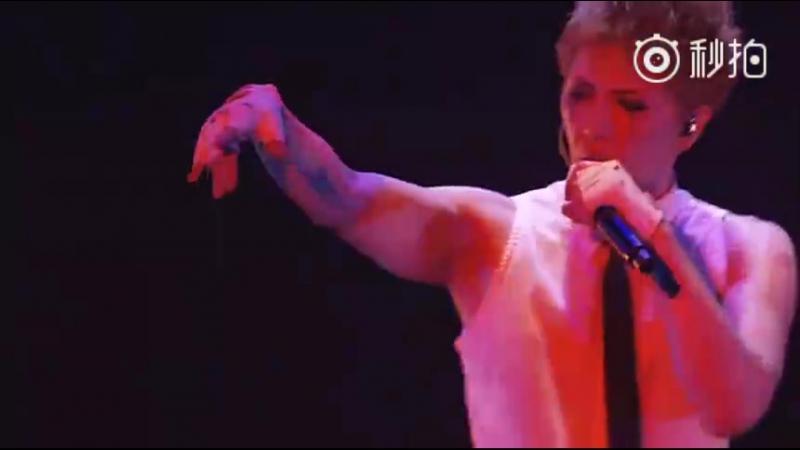 GACKT Weibo 01.10.2017 【YELLOW FRIED CHICKENz WORLD TOUR *SHOW UR SOUL. I* 世壊傷結愛魂祭 at MAKUHARI 2011】 07 Mousou GIRL〔.jp〕