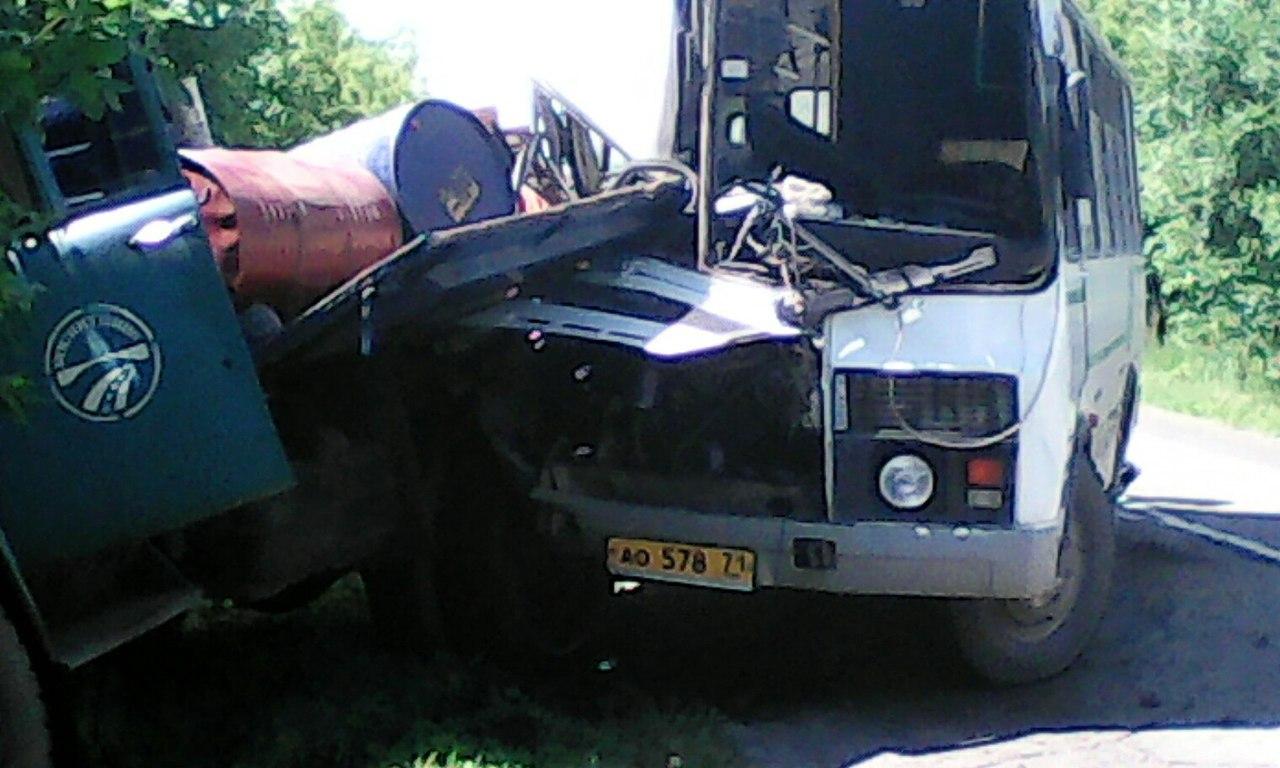 В ДТП пострадали 2 человека