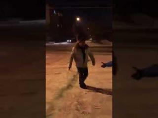 Полицейские буянят у кафе в Чите