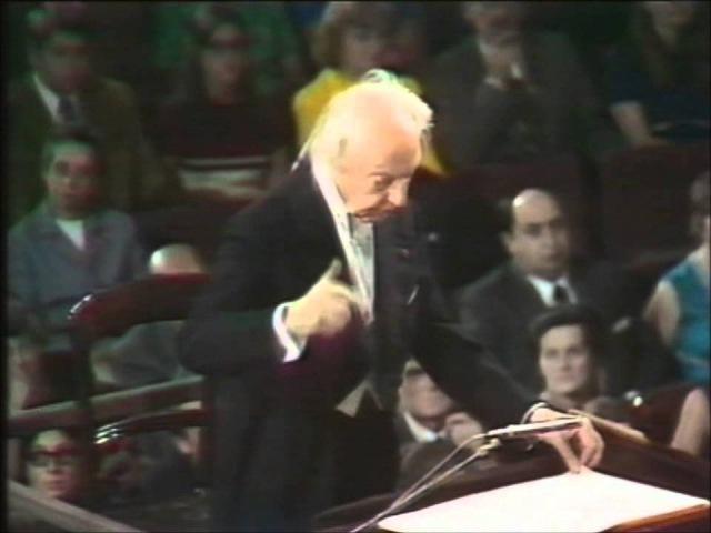 Bach: Toccata Fugue in D minor - Stokowski at 90