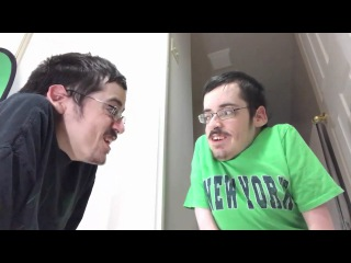 Когда плеер рассказывает другому плееру,как он убил топ игрока с лопаты