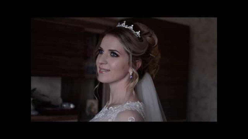 Высокий воздушный пучок и свадебный макияж. Невеста 2017, стилист Юлия Придиус. Си ...