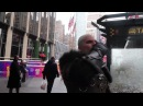 Ведьмак и плотва в NY Witcher catching a ride in New York City