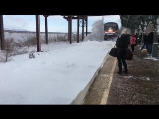Эффектное прибытие поезда