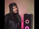 девочка красиво поёт
